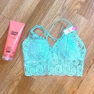 VS PINK || NWT Adorable Lace Bralette